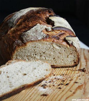 Es wird mal wieder Zeit für ein saftiges Stück Brot - ein Knusperlaib