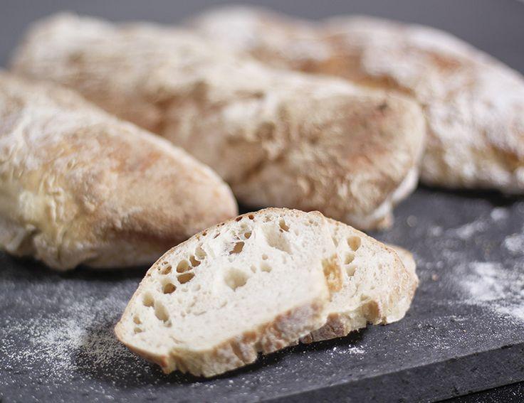 Koldhævet brød – verdens lækreste og nemmeste rustikke brød