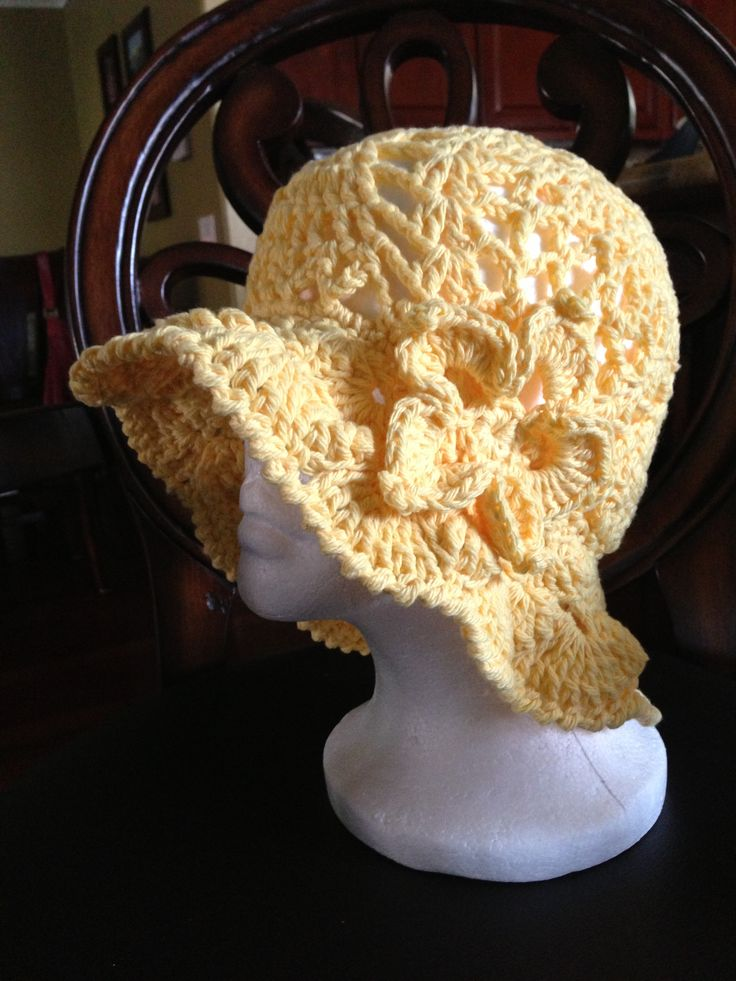 """""""Pineapple Lace Sunhat"""" Free pattern from the Crochet Lounge and flower pattern from Yolanda Lopez YouTube tutorial"""