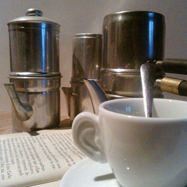 un #libro e un #caffè e la giornata può cominciare