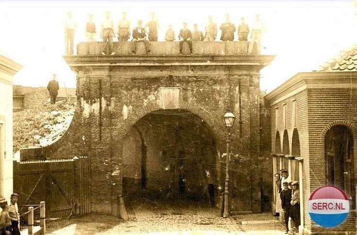 Zuidpoort Brielle (jaartal: 1900 tot 1910) - Foto's SERC