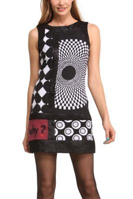 Bruselas sleeveless dress. It has a round neck and zip fastening. This striking Black