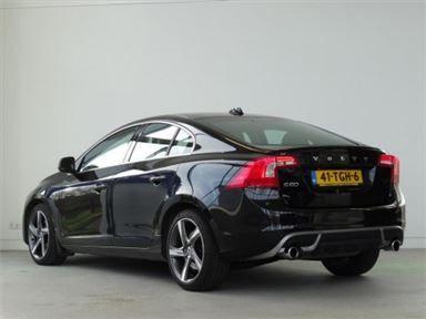Gebruikte 2012 Volvo S60 T3 R-Design in Utrecht - 1,6 Benzine, Black Sapphire metallic - € 19.950