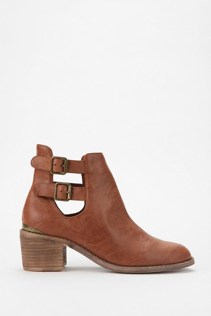 $69.00 Ecote Gordon Cutout Boot | Urban Outfitters