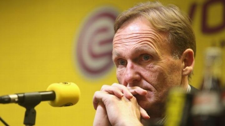 Borussia Dortmund chief executive Hans-Joachim Watzke says he has received death threats from RB Leipzig supporters. Dortmund and Leipzig played