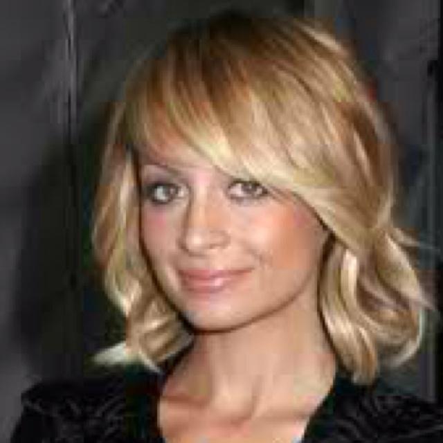 Cute: Medium Length, Medium Hairs, Nicole Richie, Bobs Hairstyles, Wavy Bobs, Shorts Hairs, Side Bangs, Hairs Styles, Long Bobs