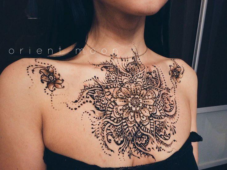orient moon, мехенди, классическое мехенди, красивый фон, тату хной, самозамес хны, мехенди, хна, фото, henna, mehendi, роспись хной на груди, мехенди на груди, большое мехенди, мехенди цветок, мехенди над грудью, мехенди узор