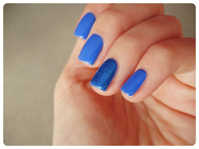 Sally Hansen Paific Blue + Pure Ice glitter