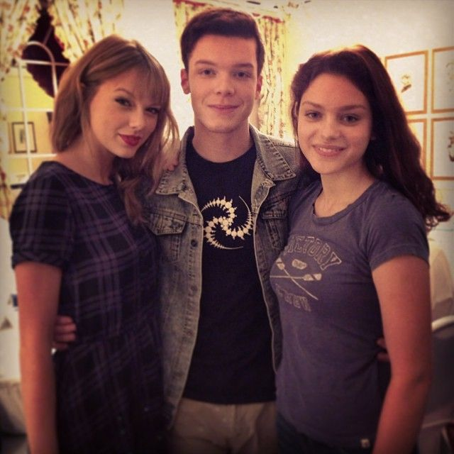 Taylor in South Africa with fellow cast members Cameron Monaghan and Odeya Rush!