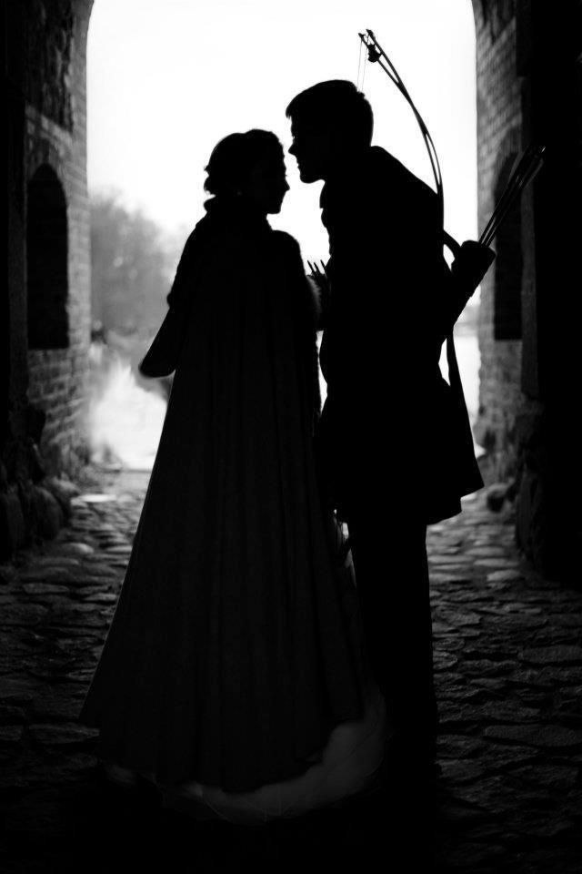 """""""A thief in the night is the phrase. Have I upset you? But I did offer to tell you my name, and you refused. I'm sorry."""" __Quote from The Game of Kings by D.Dunnett"""
