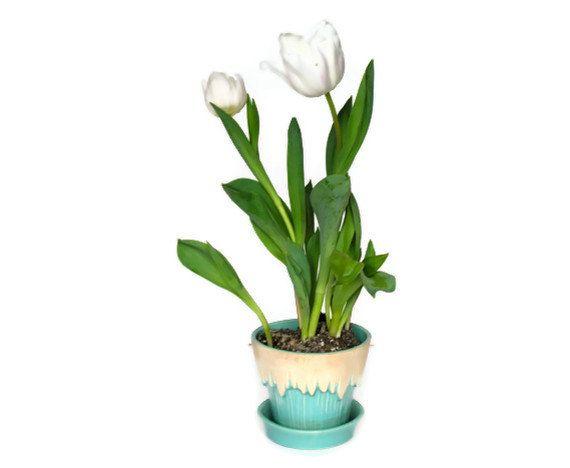 Vintage McCoy Flowerpot Flower Pot Melting Snow by veraviola, $15.00