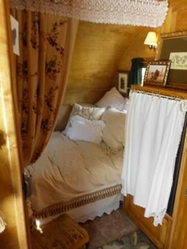 vintage camper bedroom