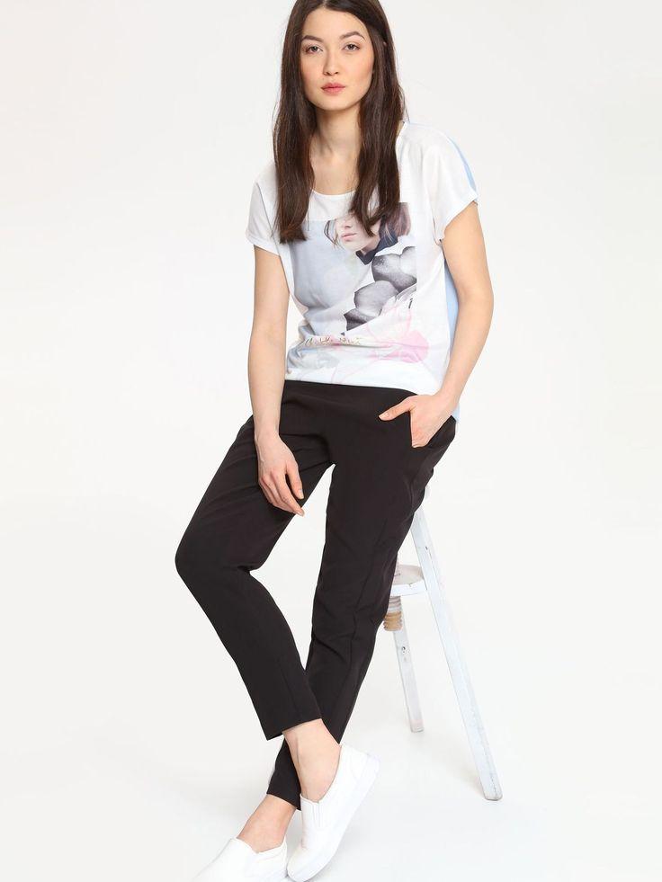Tricou Top Secret Be Different White. Tricou casual potrivit pentru jeansi sau pantaloni lejeri. Adopta un street look de invidiat. Poarta acest tricou…
