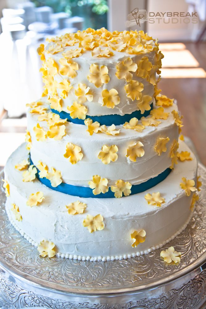 best cream cheese wedding cakes 36 best teal wedding images on weddings cake 11301