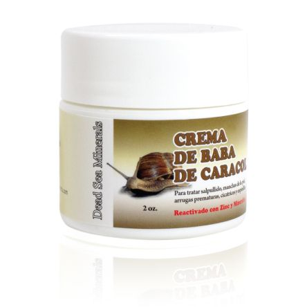 Our Baba De Caracol Cream moisturizes the skin, helps to diminish the appearance of light expression lines, and leaves the face smoother, fresher and looking younger.