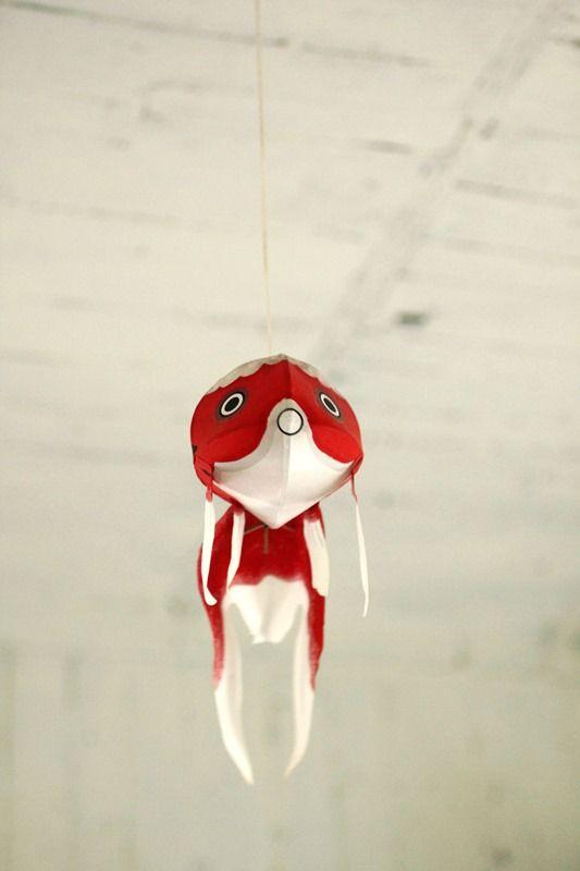 金魚ちょうちん      < Goldfish Paper Lantern >
