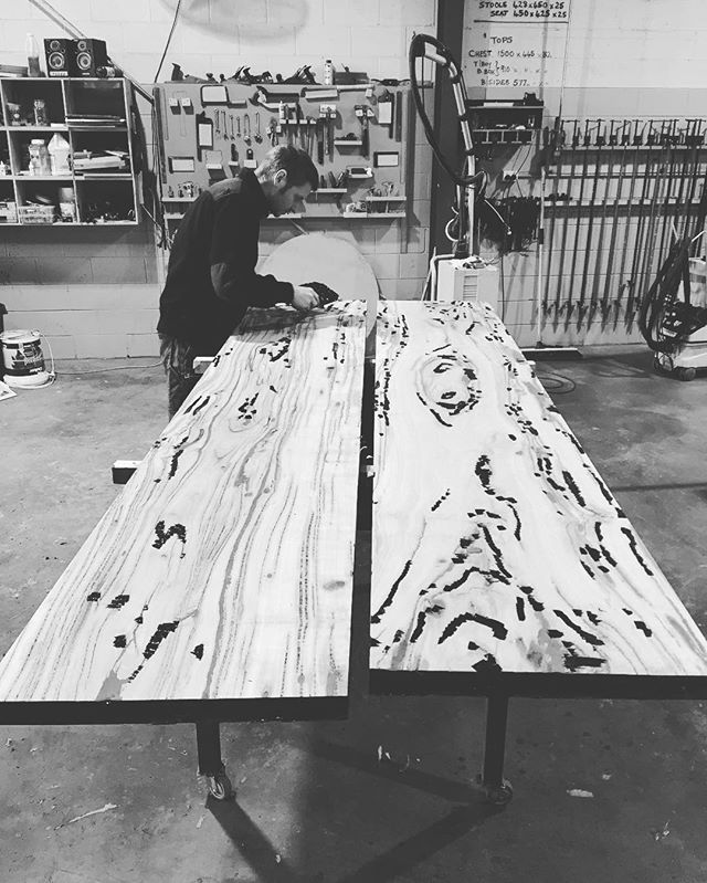 Six millionth coat of epoxy in this incredibly veiny Marri Gum. Nearly have workable boards! #makimaki #timberfurniture #custommade #diningtable #slabtable #handmade #woodwork #brisbanemade