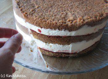 Kinuskikissa: ohjeita kakun kokoamiseen