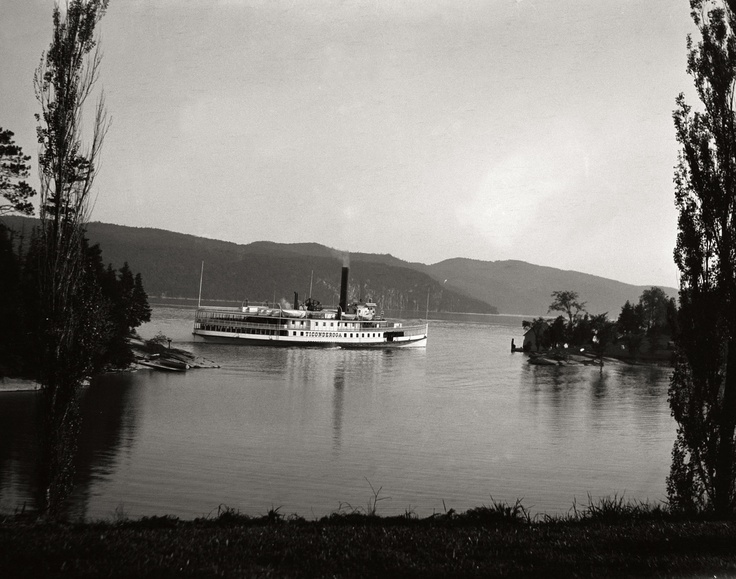 Ticonderoga leaving Basin Harbor