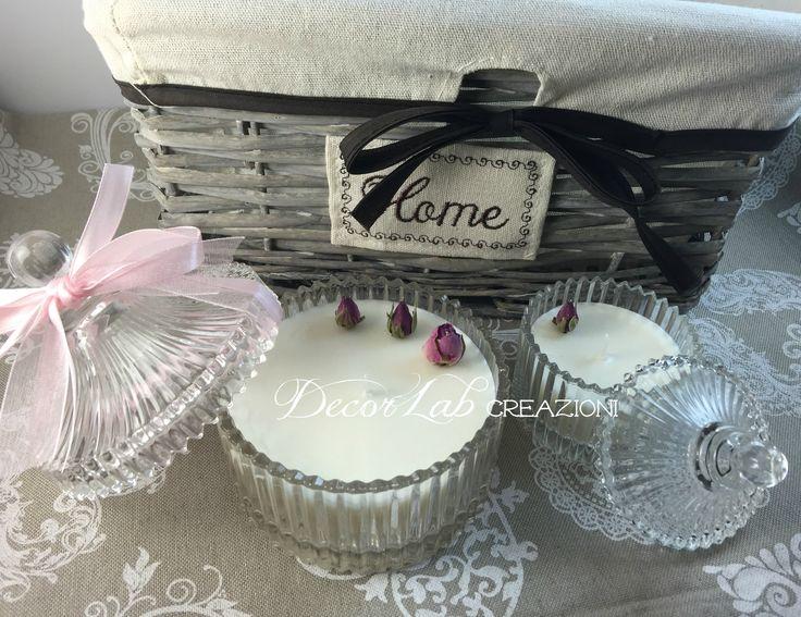 Scatole cristallo con candele profumate in Cera di Soia OGM free . (Boccioli di rosa essicati)