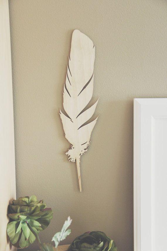 Massanfertigung / / / erlauben eine Woche Einfache, aber schöne, diese Feder wird an jeder Wand gut aussehen oder flach auf einem Regal oder Tisch gelegt. Liebst du Handwerk versuchen eintauchen in Gold oder Malerei es weiß! Bitte beachten Sie, da das Echtholz ist die Textur der jede Platte kann leicht variieren. Material: 1/8 in Birken-Sperrholz Größe: 14 x 3.70 Abgang: Schutzöl oder unfertig (Wählen Sie beim Kauf) Interessiert es eingraviert? Senden Sie mir eine Nac...