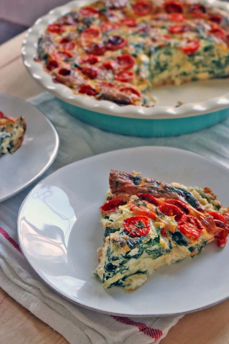 This easy spinach, tomato, and feta quiche is packed with spinach and feta and tastes like spanakopita. Topped with the most tasty tomatoes that roast slowly in the oven and made with 100% real, whole ingredients!