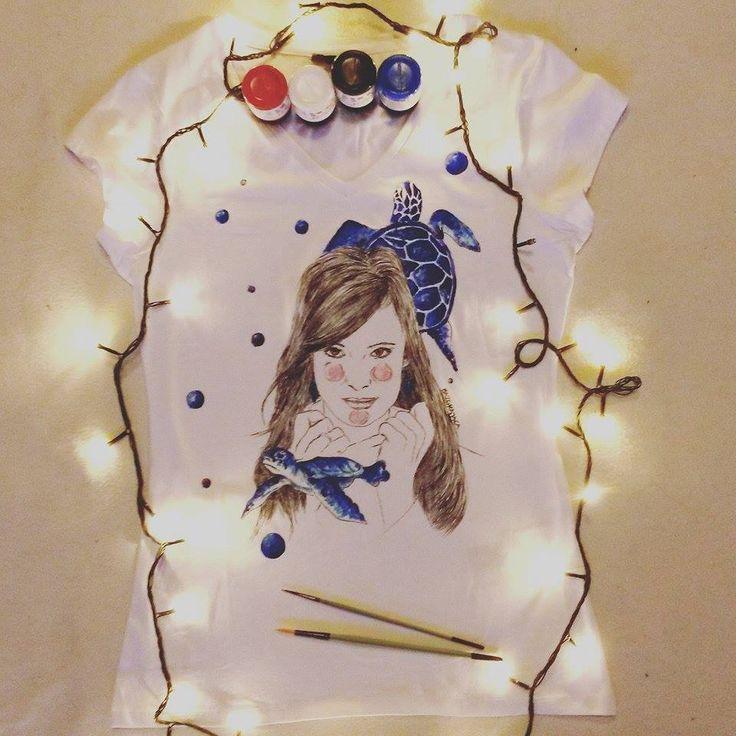 Koszulka ręcznie malowana z dziewczyną Julia Pietrucha, parsley hand painted t-shirt girl