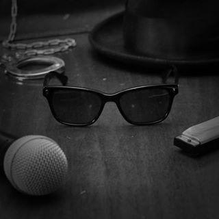 Magnoli Clothiers Elwood glasses  #magnoliclothiers #thebluesbrothers #blues #wayfarer #bluesbrothers #elwood #elwoodblues #r&b #rhythmandblues #sunglasses #vintage #style #fashion #mensstyle #mensfashion #vintagestyle #retro #retrostyle #retrofashion #vintagefashion #mib #danaykroyd #harmonica #bluesharp