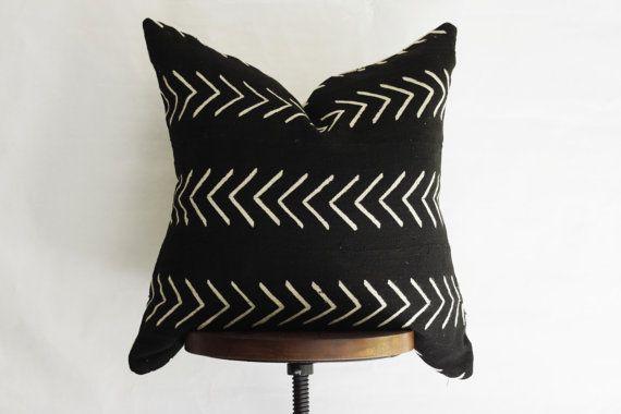 22x22 Black and White Arrow MudCloth Pillow Cover, African Textile, Bohemian Pillow,  Boho Pillow, Boho Chic Pillow, Black and White