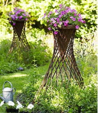 Willow sticks make excellent lawn ornaments for its color and texture. From Master Garden Products, these expandable funnel shaped willow lawn ornament can be decorative as well as functional as a trellis or a cage for climbing vines.  Comes in either 3' or 4' high.