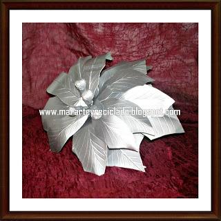 Marjorie Arte y Reciclado: Reciclado de tetrabrik: Flor de Nochebuena
