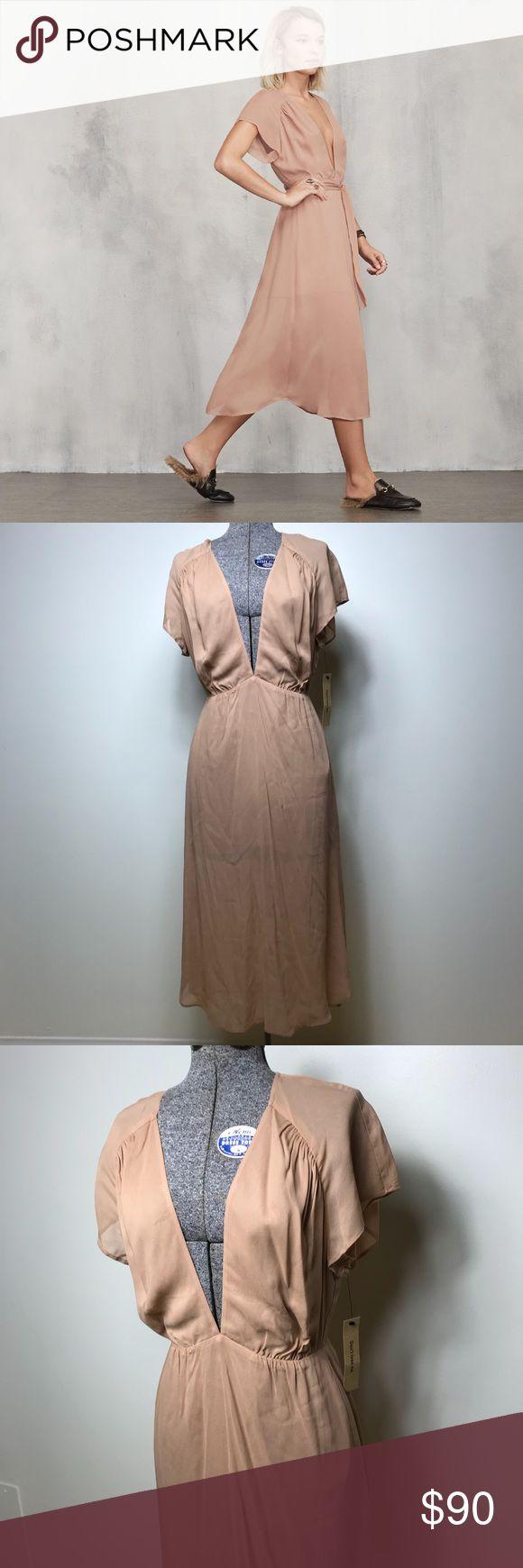 NWT REFORMATION THALIA PETITE DRESS NWT Reformation petite beige Thalia dress. Does not come with sash/belt. Reformation Dresses