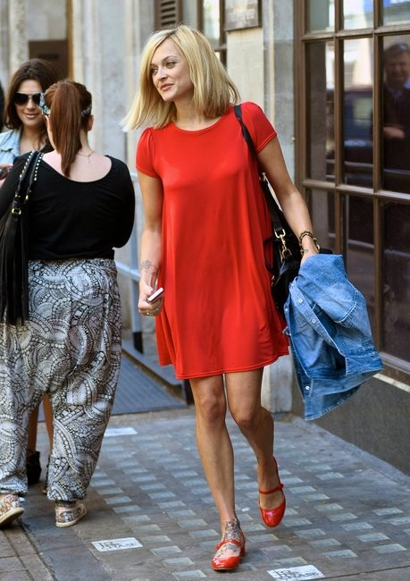 Fearne makes all outfits look so effortless.