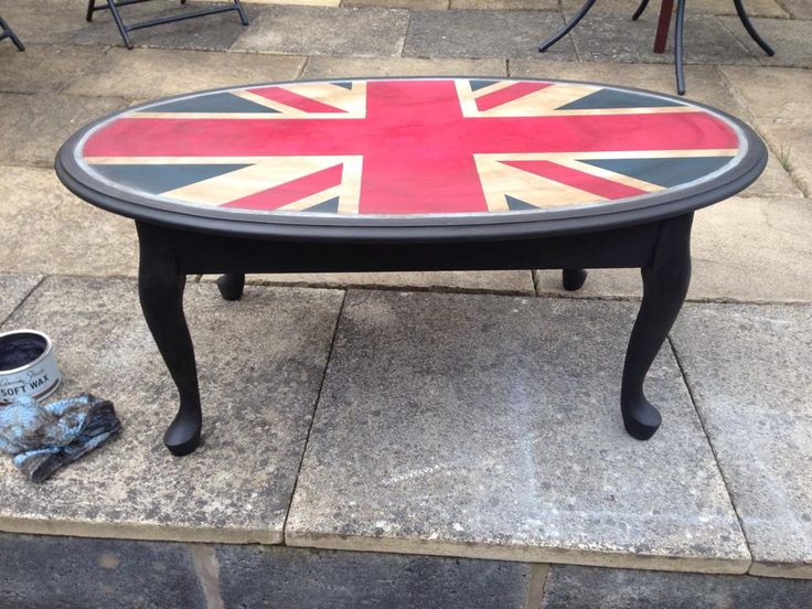 painted furniture union jack autumn vignette. Kelly Tomlin And Her Perfect Oval Union Jack Table, Painted With Annie Sloan Chalk Paint Furniture Autumn Vignette E