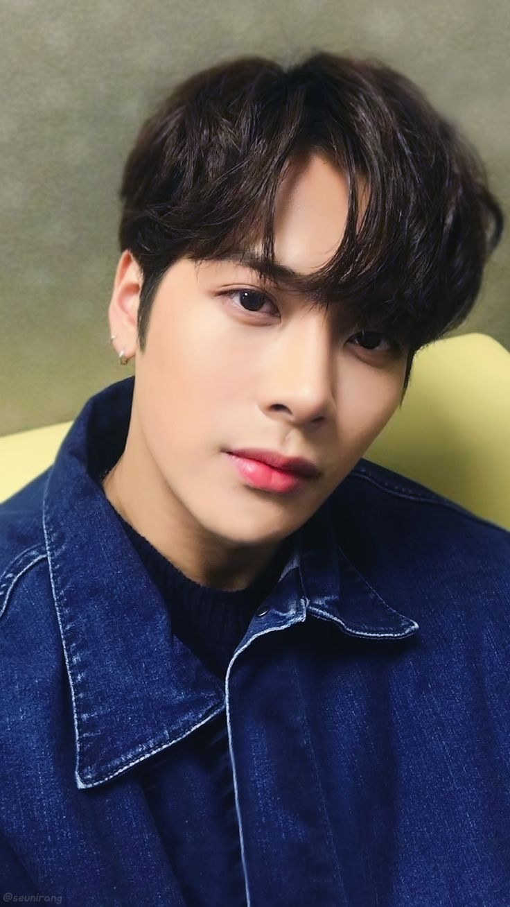 Jackson I wish you understood how handsome you are without the airbrush. You are a god. No need to hid your glory.