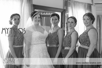 Everyone is ready now - last photo of bride & bridesmaids before they go to ceremony - love the black & white photos #weddingphotos_bridewithbridesmaids_black&whitephotos