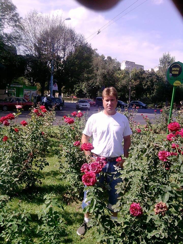 eu si trandafiri!