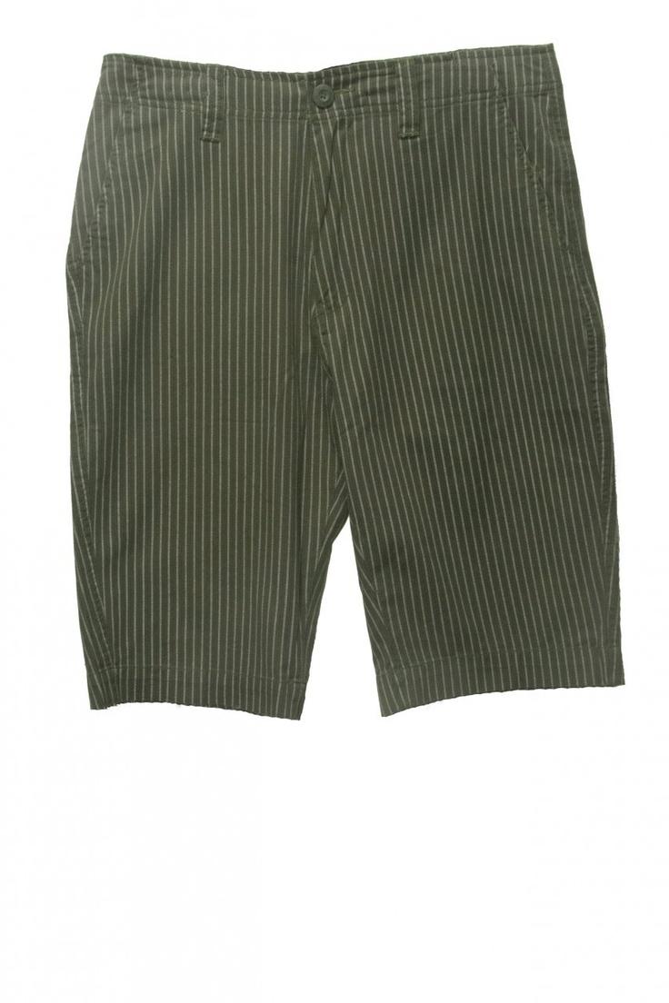 (http://www.labelshopper.com/mens-bold-pinstripe-shorts/)