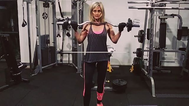 Training Tuesday Try This Ezbar Circuit Bicep Curls 5 Wide Grip 5 Narrow Grip Wide Upright Row 10 Reps Front Front Squat Stiff Leg Deadlift Biceps