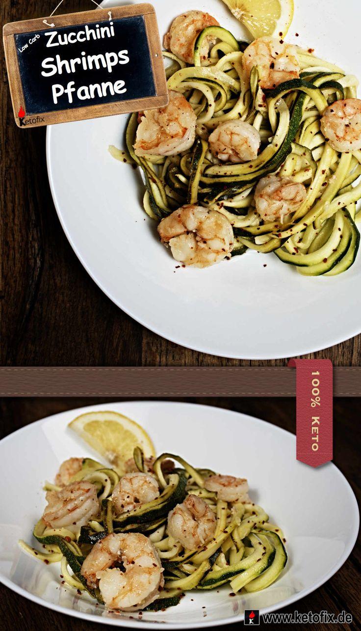 Zucchini Shrimps Pfanne Rezepte Ketofix. Gebratene Zucchini Shrimps aus der Pfanne. Sehr leckeres Low Carb Riesengarnelen Rezept mit viel Eiweiß und wenigen Kalorien. Schnell und einfach zubereitet. Perfekt für deinen Ernährungsplan zum schnellen Abnehmen mit der Keto Diät. Zutaten 2 Zucchini 215 g Shrimps 45 ml Weißwein, lieblich 2 EL Zitronensaft 8 g Knoblauch 1/4 TL Rote Pfeffer Flakes Salz Pfeffer 2 EL Olivenöl #keto #lowcarb #lchf