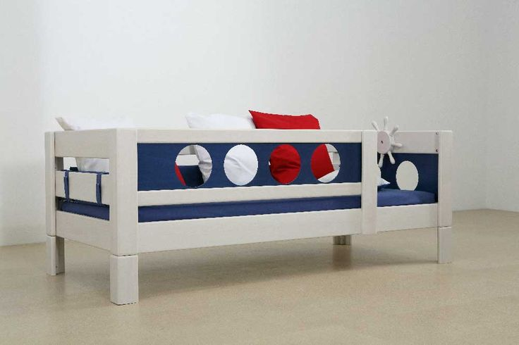 17 best images about chambre enfant on pinterest child bed toddler bed and bird houses. Black Bedroom Furniture Sets. Home Design Ideas