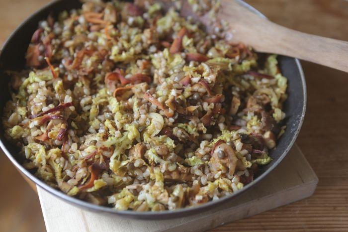 Arroz com lentilha e legumes (que sonhou em ser paella) // Papacapim
