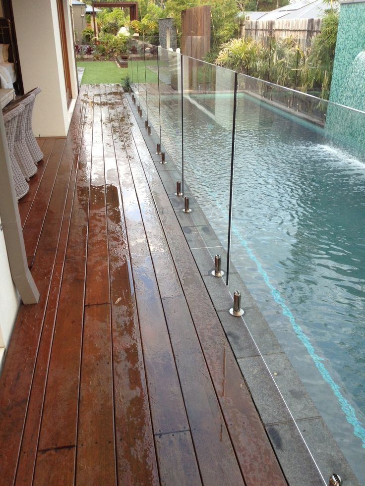 Pool fence - no posts