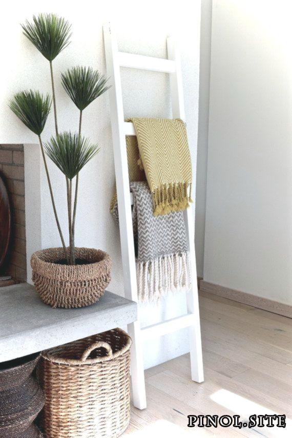 5 Tipps Wie Sie Die Richtige Serviettenfalttechnik Fur Sich Aussuchen Bathroom Ladder Small Apartment Decorating Cheap Home Decor