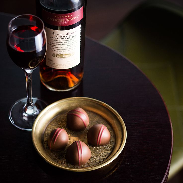 Antique Tawny Fig Liqueur – plump Australian dried figs are steeped in Yalumba Antique Tawny for two weeks. The fruit is then dipped into a tawny infused fondant, enrobed in two layers of milk chocolate and hand decorated before being carefully cellared prior to release. #Yalumba #TheCollaboration #FathersDay #chocolate #gift