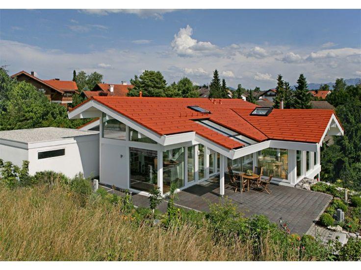 103 best images about bungalows on pinterest villas for Fertighaus satteldach modern