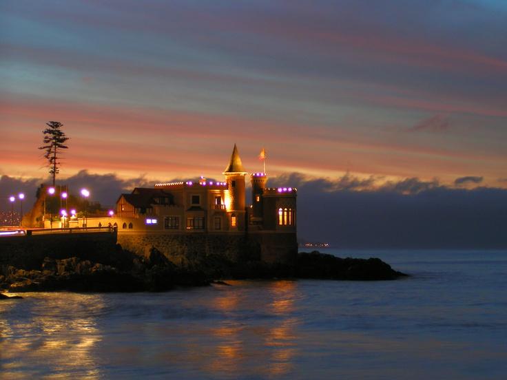 Vina del Mar castle after sunset.