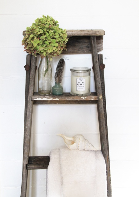 Very cool re-purpose of an old ladder. Would look wonderful for the kitchen or dining area.
