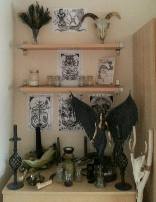 Domiliciary shrine for the Sabbats of the Black Moon and Pact of Blood and Starlight of the Dragon Book of Essex