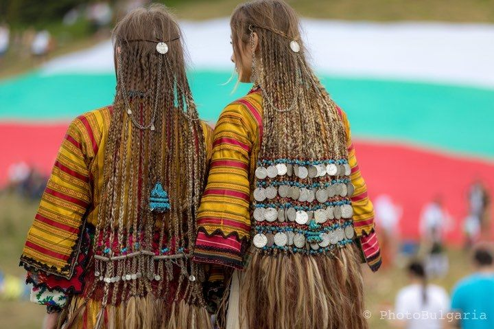 Eastern European Stuff Traditional Hairstyles From The Pomak Village Of In 2020 Traditional Hairstyle Hair Styles Traditional Gowns